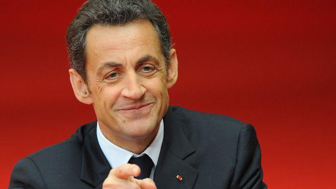 Rajoy se inspira en Sarkozy para refundar el PP