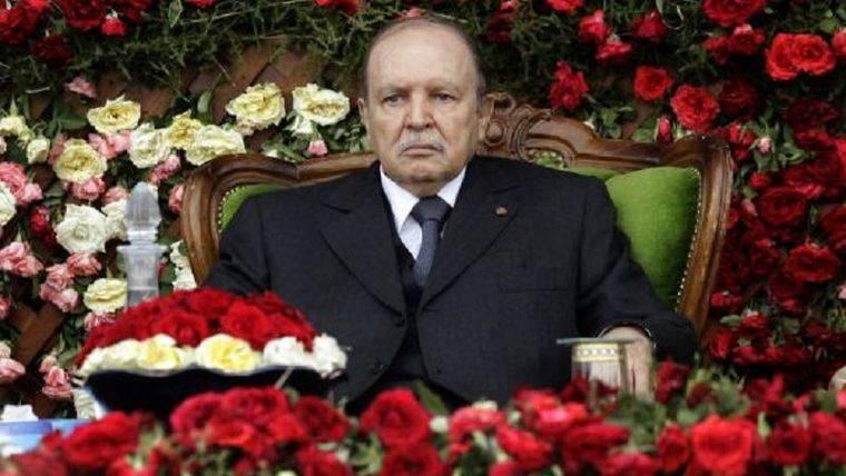 El presidente Buteflika purga al ejército para evitar un golpe de estado en Argelia