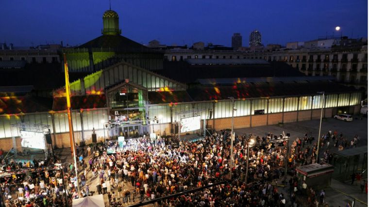 Cataluña se parte en dos: los independentistas no alcanzan la mitad de los votos, pero mantendrán su agenda separatista