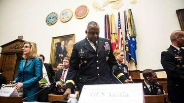 Analistas de inteligencia de EEUU se rebelan por obligarles a informar que la guerra contra el Estado Islámico es un éxito