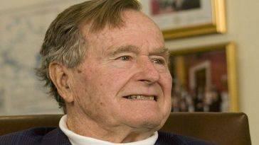 """El expresidente Bush padre afirma que """"los estadounidenses no están preparados para conocer la verdad"""" sobre los OVNIS"""