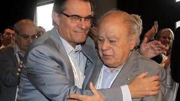 El ex presidente Artur Mas recibirá un sueldo de 7.000 euros, oficina, coche, chófer y escoltas