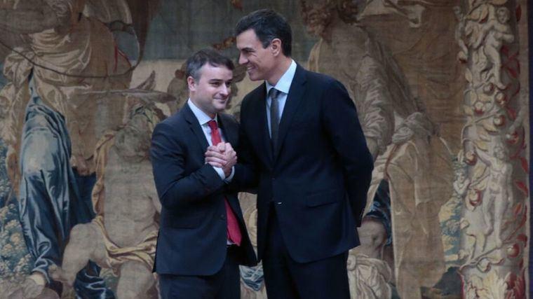Terremoto en Moncloa: Sánchez es consciente de los movimientos políticos que existen incluso dentro del PSOE para derrocarle