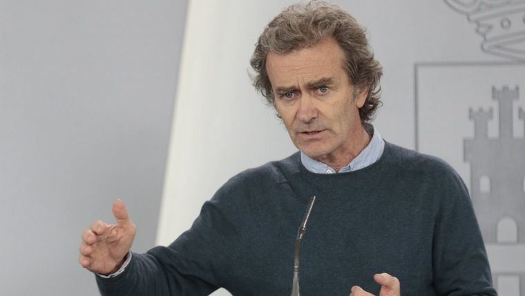 Acusan a Fernando Simón de 'crímenes contra la humanidad' y dan pruebas