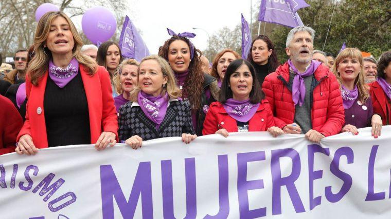 Pese a que el Gobierno de Pedro Sánchez y Pablo Iglesias insiste en ratificar el 8-M haberlo anulado habría reducido un 60% de casos