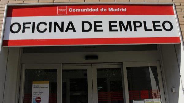 El empleo se hunde con récord histórico de españoles cobrando prestación de paro