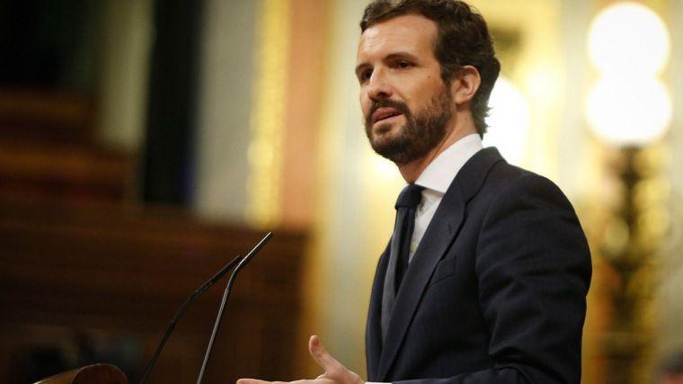 Casado, obligado a abstenerse, espeta a Pedro Sánchez: 'usted es el caos'