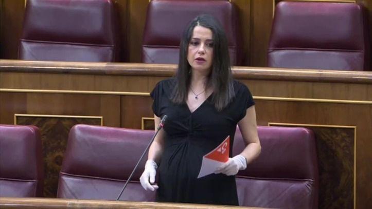 Inés Arrimadas consigue que Pedro Sánchez