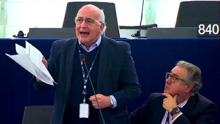 Europa analizará con lupa las medidas de Pedro Sánchez contra las 'fake news' y los bulos
