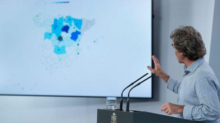 Fernando Simón desvela que hay rebrotes en algunas provincias y desconoce el riesgo de transmisión en agua salada
