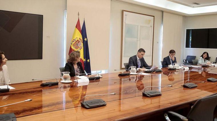 Pedro Sánchez pisa el acelerador y anuncia que varias comunidades estarán fuera del estado de alarma 'en los próximos días'