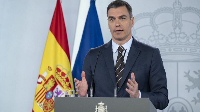 Sánchez regala 50 millones de euros a refugiados venezolanos en medio de una crisis económica histórica en España