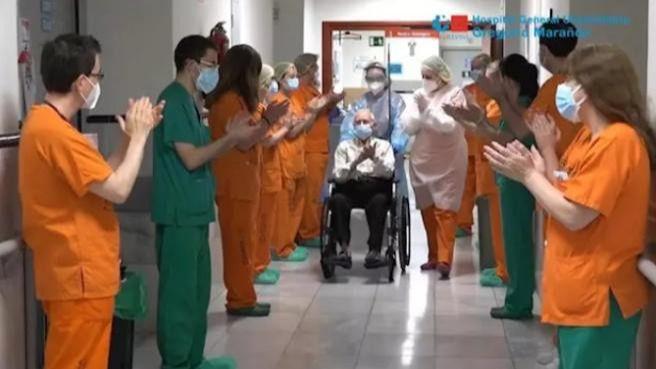 Pedro, el paciente de 88 años de edad que se ha convertido en el alta número 2.000 de Covid-19 del Hospital Gregorio Marañón