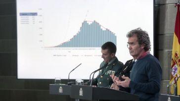 El INE también apunta a los casi 44.000 fallecidos por la pandemia mientras que Sanidad mantiene las cifras por debajo de 28.000