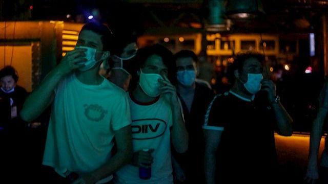 El Gobierno copia medidas a países que han sufrido rebrotes: A partir del lunes discotecas abiertas y público en las plaza de toros pero no en el fútbol