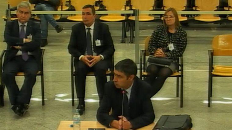 La Fiscalía abre la puerta a una condena sin cárcel para Trapero por el 'Procés'