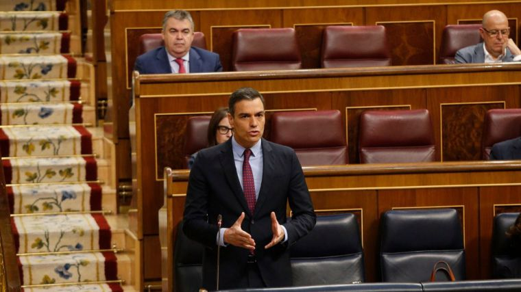Sánchez se envalentona en el Congreso pese a las querellas criminales y le espeta a Casado que su plan para derrocarle ha fracasado