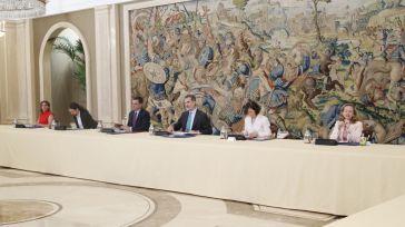 Sánchez e Iglesias dan cuenta ante el 'ciudadano Borbón' de su controvertida gestión del Covid-19