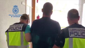 [Vídeo] Así detiene la Policía a un fugitivo buscado por Reino Unido por asesinar a una joven