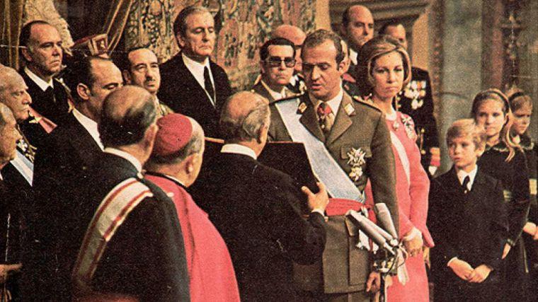 Tal y como adelantamos, Juan Carlos I abandona España para salvar la reputación de su hijo