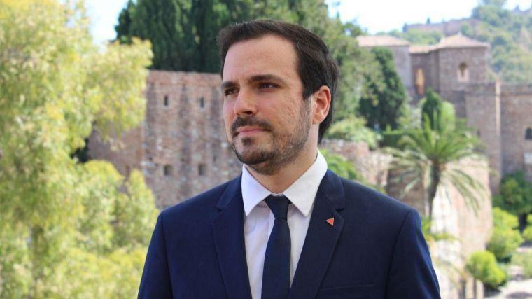 Garzón se desvincula de Podemos y apoya públicamente al PSOE al defender la gestión de Celaá