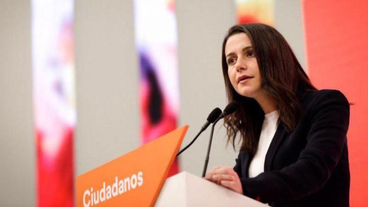 Arrimadas advierte a Sánchez que negociará los Presupuestos pero no será gratis como Podemos exige