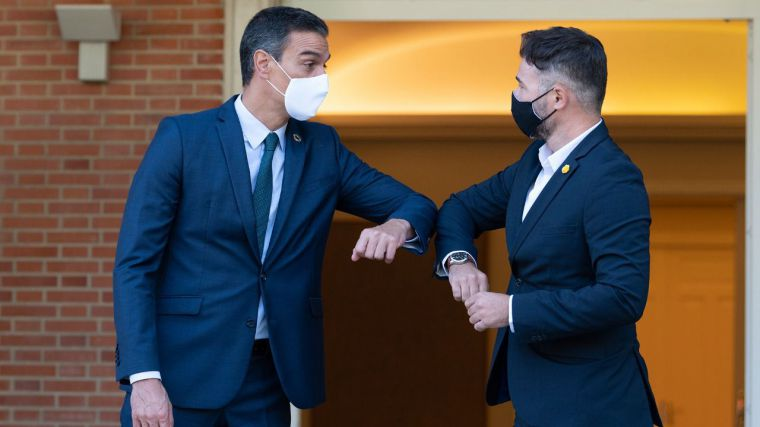 Sánchez juega a la moderación con Ciudadanos pero cede ante el independentismo: habrá mesa de diálogo con Cataluña