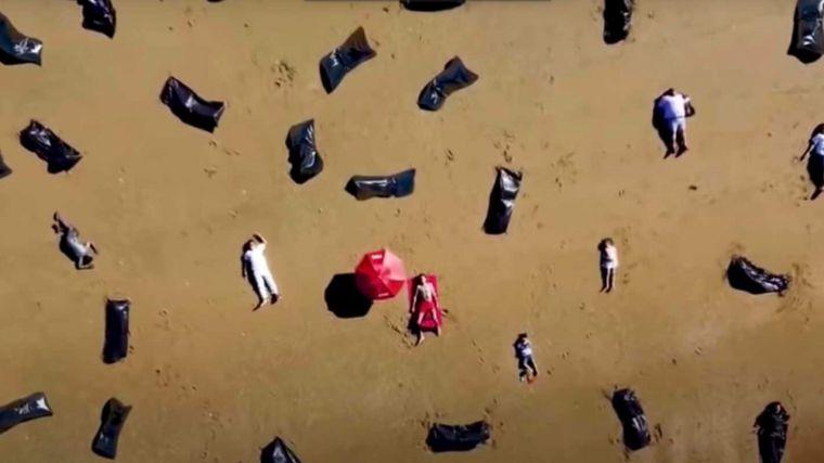 Viral: El vídeo de Pedro Sánchez de vacaciones con más de 50.000 muertos a sus espaldas que Moncloa ha intentado frenar