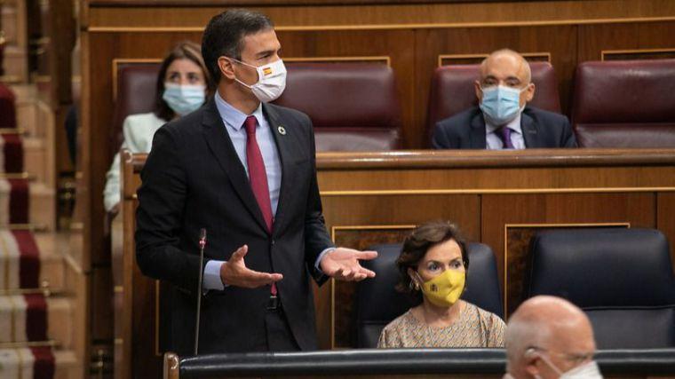 Sánchez a Casado: 'Me gustaría creer que de verdad va a poner fin a 30 años del PP incumpliendo leyes'