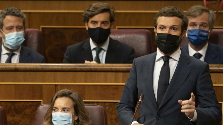El Gobierno se ahoga en sus compromisos para la destrucción de España y Casado reacciona