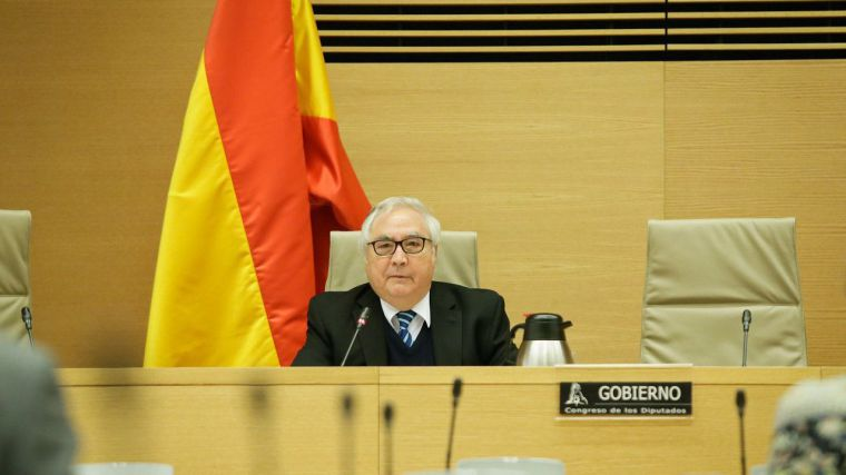 El 'desaparecido' ministro Castells a la caza del 'universitario rebelde' con sanciones incluidas