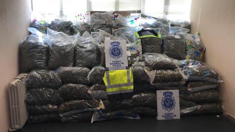 Así ha frenado la Policía española la venta de 355 kilos de marihuana a unos narcos