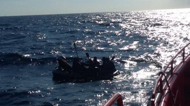 Canarias, ¿al borde del colapso por la inmigración ilegal?