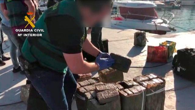 Golpe al narcotráfico en las costas de Andalucía con 31 detenidos y 3 toneladas de hachís interceptadas