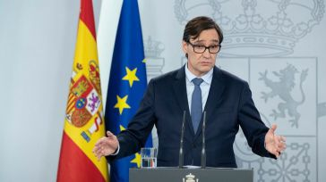 Vacunas contra la Covid-19 en España: El Gobierno se olvida de 32 millones de españoles