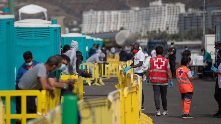 Una oleada masiva de inmigración ilegal se cierne sobre Canarias