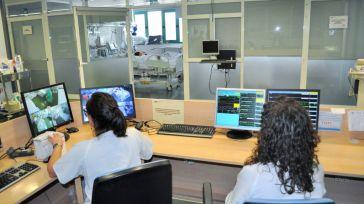 Así está la UCI del Hospital de Móstoles: 'Los pacientes cada día son más jóvenes'