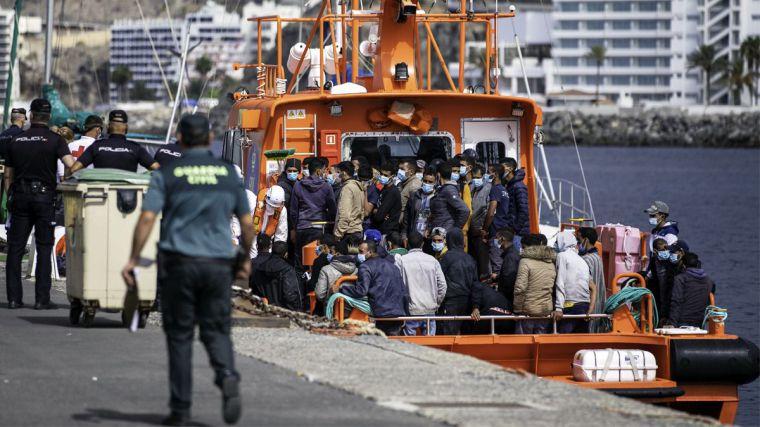 La 'invasión silenciosa' cada vez hace más ruido: 800 inmigrantes llegan a España en menos de 48 horas
