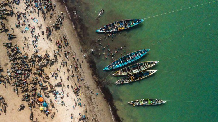 El expolio de recursos de África occidental aboca a miles de personas a emigrar