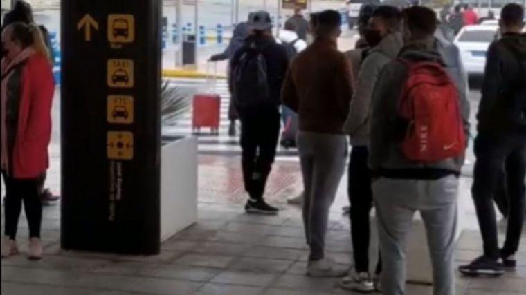 200 inmigrantes trasladados de Canarias a Granada sin previo aviso y en paradero desconocido
