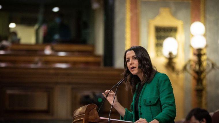 Arrimadas carga contra el Gobierno: 'Dejen de manchar la imagen de España'