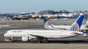 Un enfermo de Covid-19 muere en pleno vuelo en EE.UU. tras asegurar que no tenía síntomas [Vídeo]