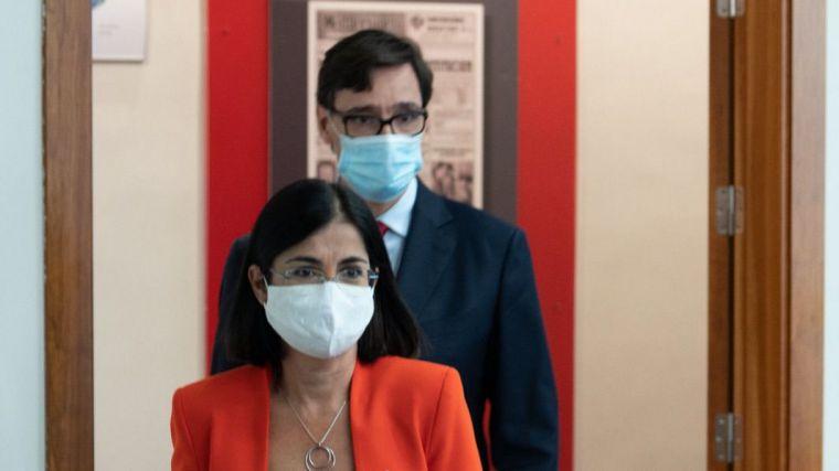 Cambio de cromos en el Gobierno para que el PSOE obre el milagro en Cataluña a costa de la pandemia