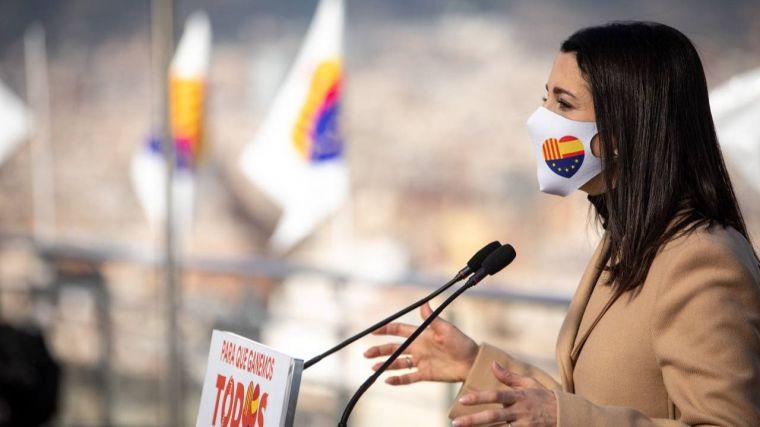 Arrimadas pide a los constitucionalistas 'que acudan a votar en masa'