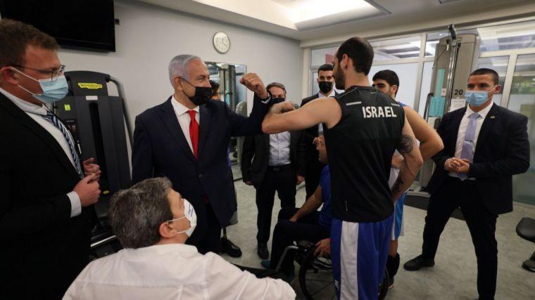 Netanyahu en plena campaña electoral: Vender hielo a los... esquimales