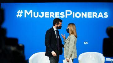 Casado denuncia que el 8-M se ha convertido en el símbolo de lo que hizo mal Sánchez