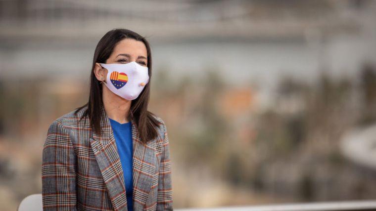 Arrimadas recuerda al PP que son ellos los que pactan con el PSOE para