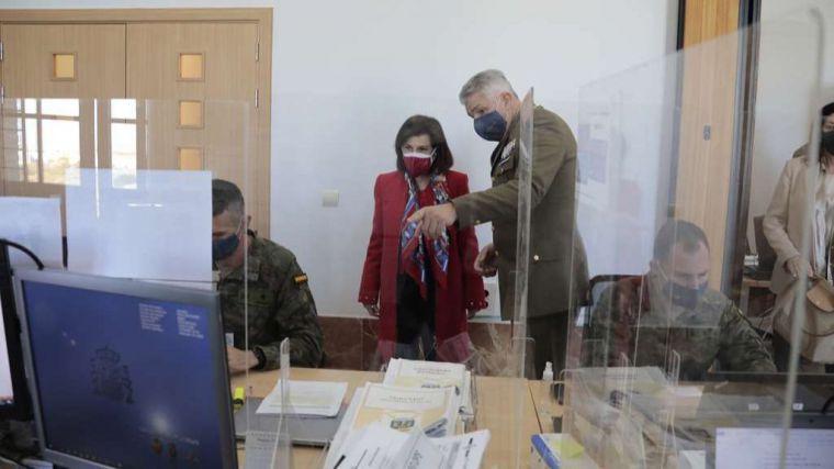 Robles destaca que los rastreadores militares han realizado más de tres millones de llamadas