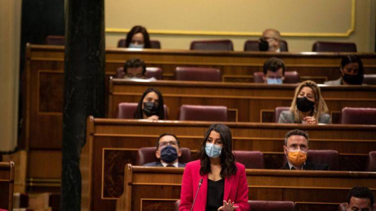 Arrimadas: '¿No han entendido que la subida de impuestos cabrea a todos los españoles?'