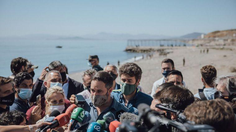 Crisis migratoria en Ceuta: Abascal reclama la militarización permanente de las fronteras